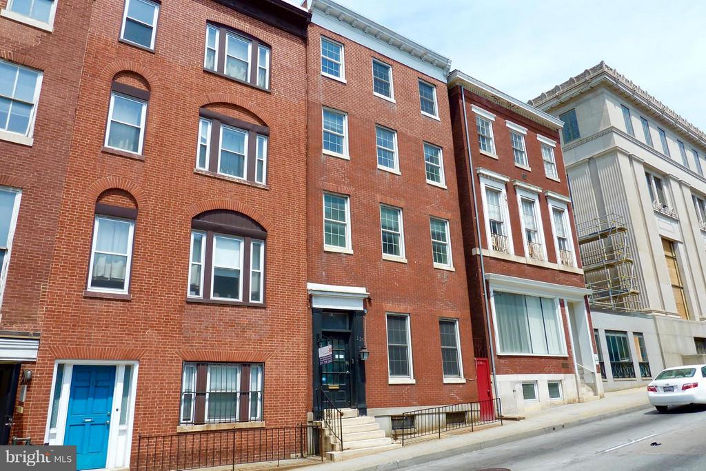 110 MULBERRY STREET W BALTIMORE, MD 21201 1000869278