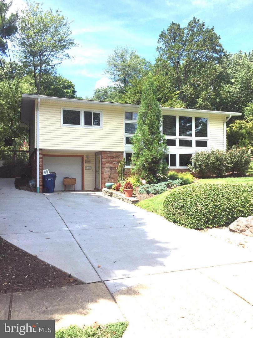 3008 Pine Spring Rd Falls Church VA 22042