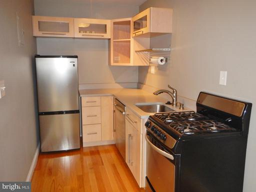 1563 Colonial Ter #302