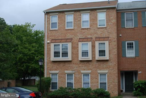 1069 George Mason Dr N, Arlington, VA 22205