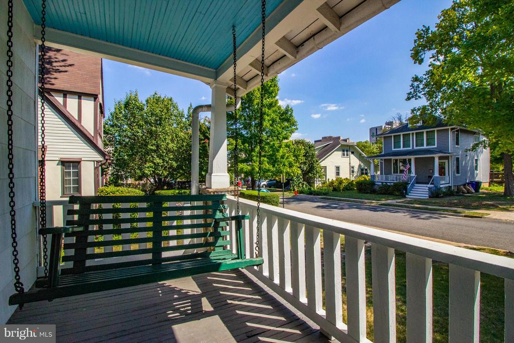 525 25th St S, Arlington, VA 22202