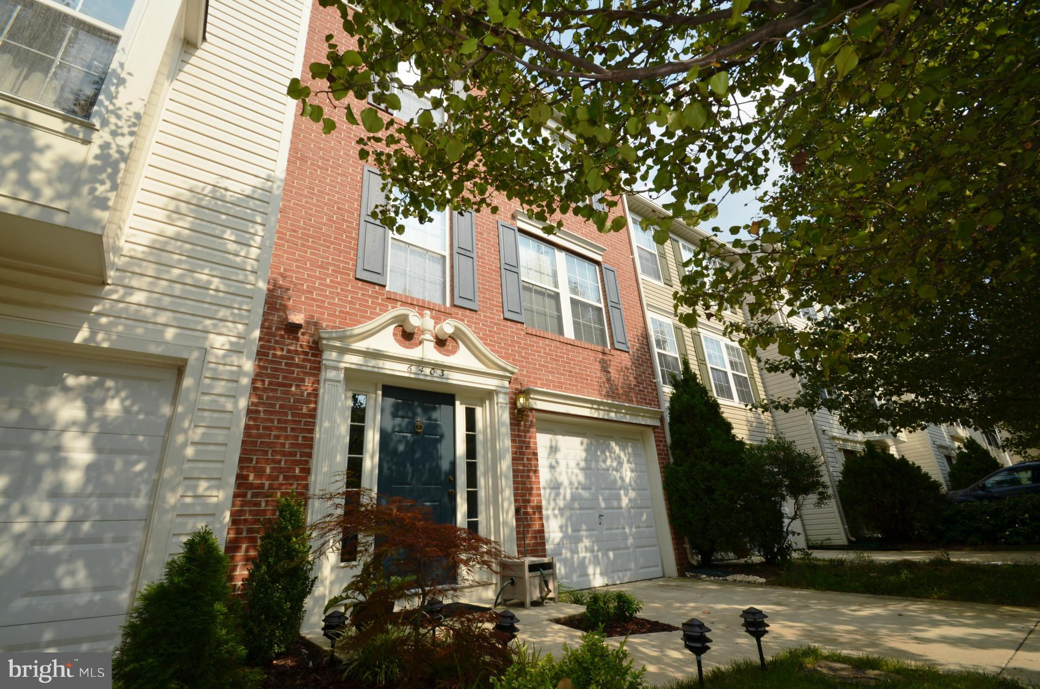 IMMACULATE 3BR, GAR TOWNHOME IN SPRINGFIELD..SPACIOUS LIV & DIN RM W/ BEAUTIFUL WOOD FLOORING..FULLY UPDATED KIT W/ SS APPLIANCES, SILESTONE & CTR ISLAND..BREAKFAST AREA W/ WALKOUT SUNDECK..LARGE MBR SUITE W/ WALK-IN CLOSET... REC RM W/ WOOD FLRS, GAS FIREPLACE & WALKOUT TO BRICK PATIO & FENCED BACKYARD..NEW LIGHTING & MUCH MORE..WALK TO POOL...EASY ACCESS TO BELTWAY & METRO... AVAIL 21 MAY