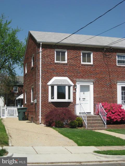26 Masonic View Ave, Alexandria, VA 22301