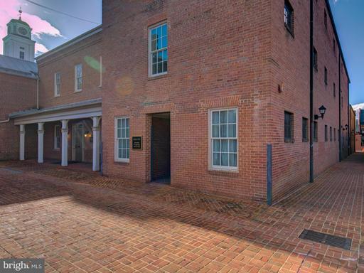 100-b Loudoun St N Winchester VA 22601