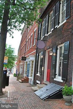 16 Bakers Way #residence 3-104 Alexandria VA 22314
