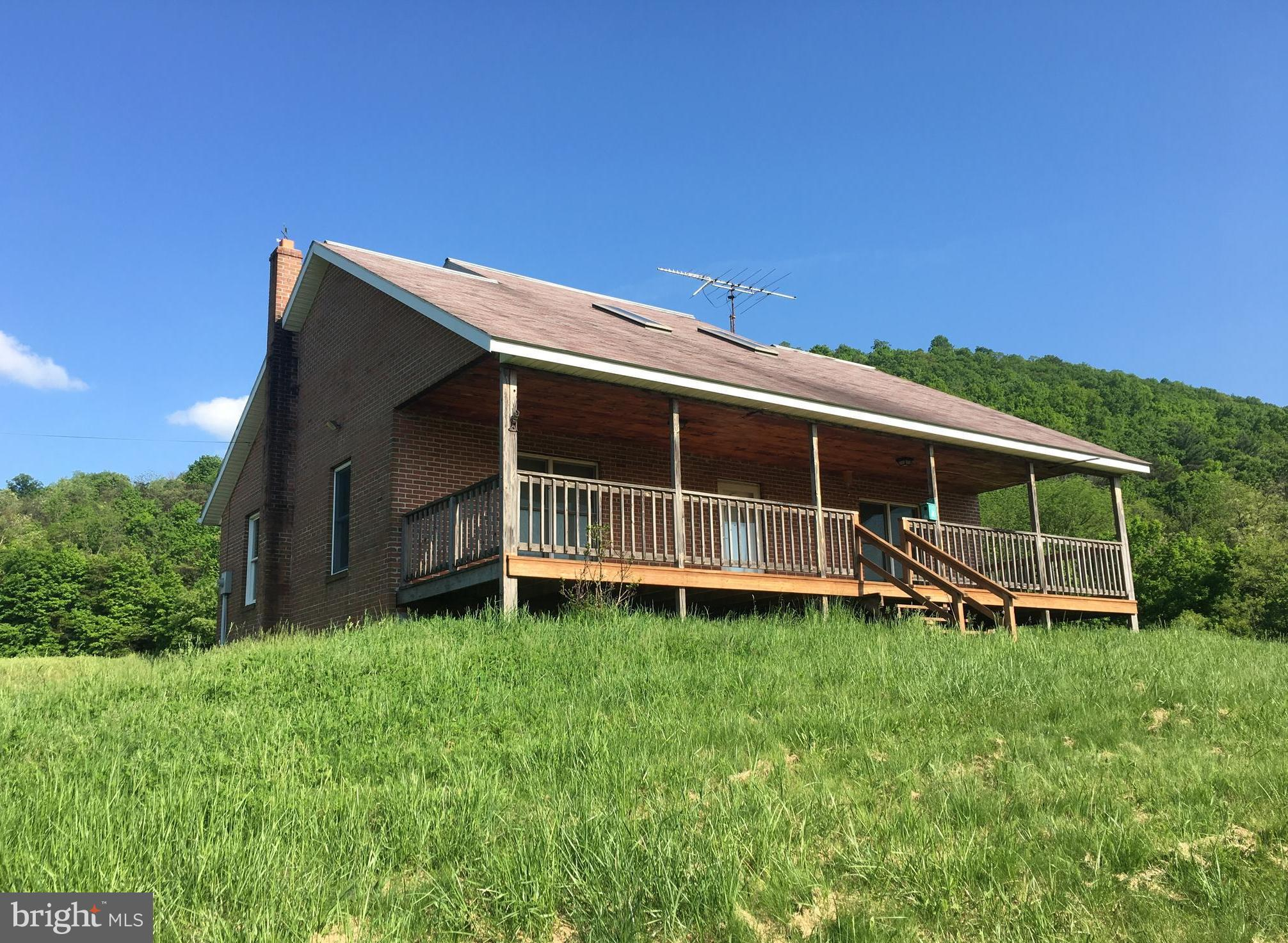 418 BLACK VALLEY ROAD, CLEARVILLE, PA 15535