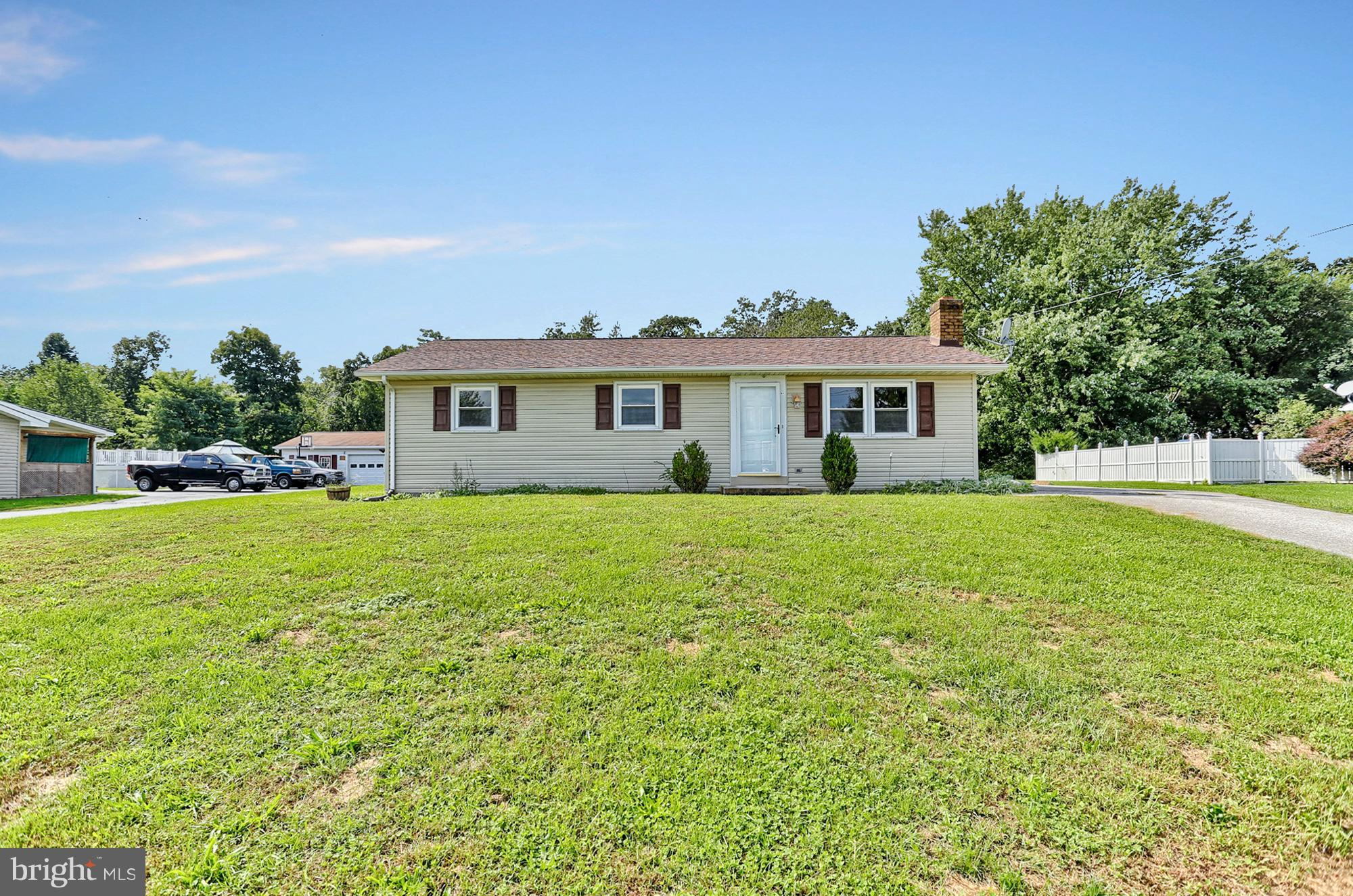 4999 BLUE HILL ROAD, GLENVILLE, PA 17329