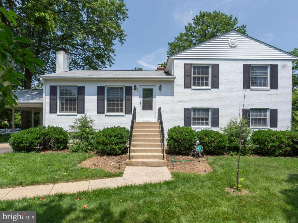 2301 Barbour Rd, Falls Church, VA 22043