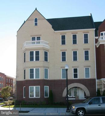 2402 Potomac Ave #102