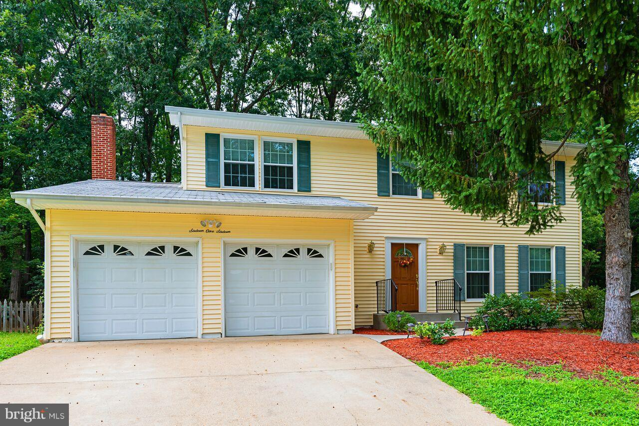 Gorgeous 5 bedroom spacious home in the well kept development of Newport. Pride in ownership shows through. Gleaming wood floors throughout. Large 2 car garage. Wonderful backyard for entertaining! Homeowner took very good care of all functions of the home. Just ask! So much value in this home for your family.