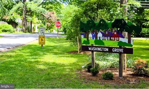 412 4th, Washington Grove, MD 20880