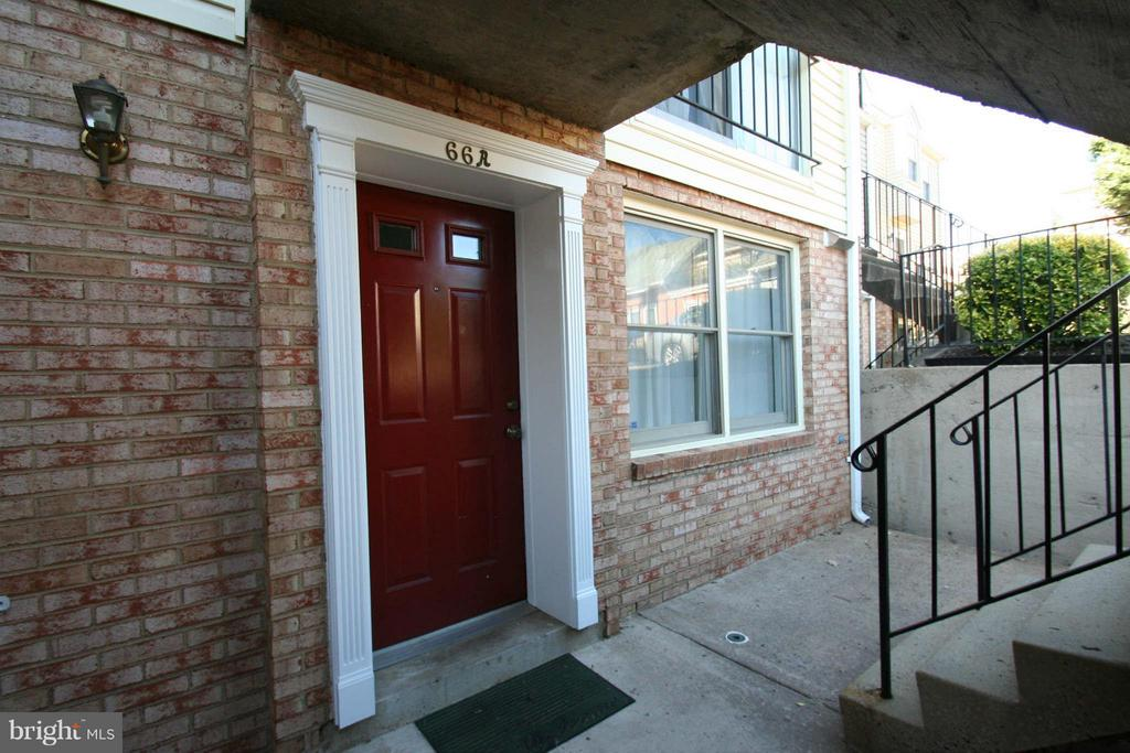66 Bedford St #66a
