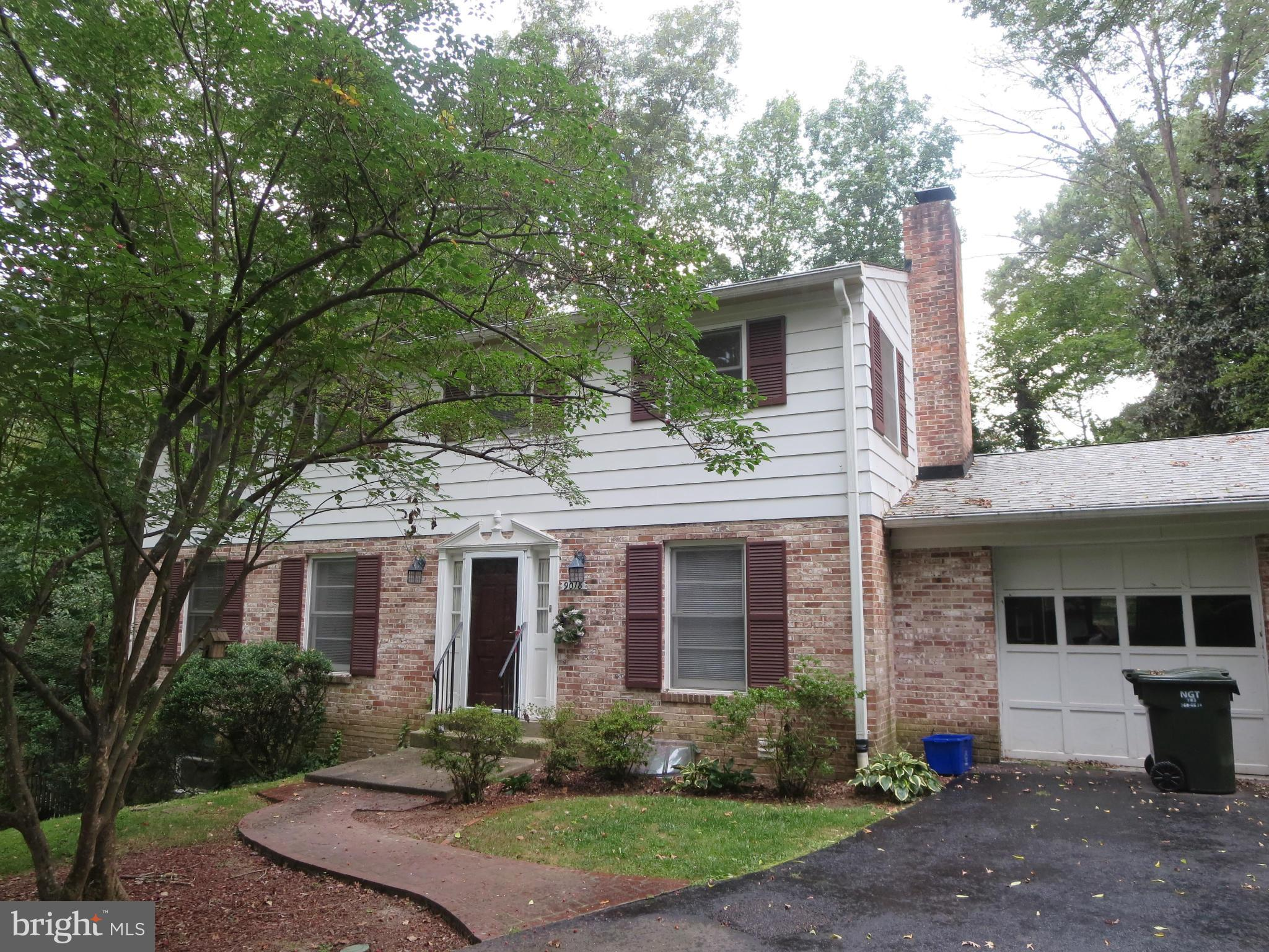 Charming 5 bdrm, 3  bath home minutes from Ft. Belvior and scenic George Washington Parkway! Hardwood on main and upper levels, formal living room, family room and separate dining room on main level. Fully equipped kitchen with stainless appliances and granite counters.  Master bedroom with full bath has separate shower and soaking tub! Lower level rec. room, bedroom & laundry. French doors to back yard and patio!! 1 car attached garage!