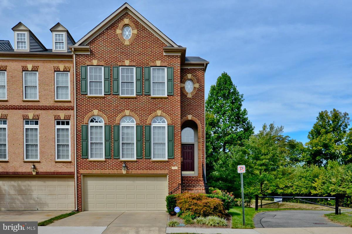 7138 POINT REPLETE CIRCLE, FORT BELVOIR, VA 22060