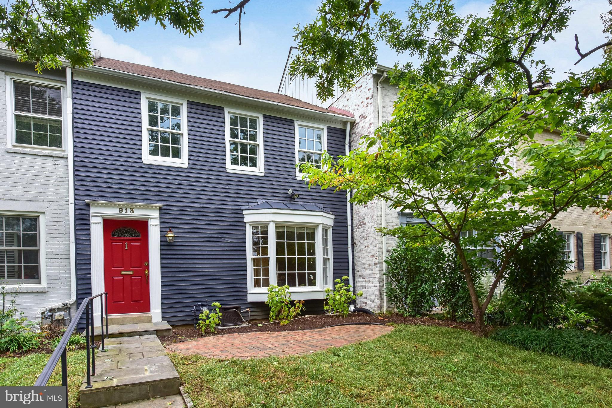 Rare find in Lyles Crouch school district! 3 BD's & 2 BA's on U1! Charming TH for those looking for a spacious home & lot!LR w/ gas FP leads to open concept, beautifully renov'd KIT(2015)+dining area.LL:Newly renov'd bonus rm + full BA.Bright FR leads to rear patio + 2 OSP spaces.Front,rear terraces allow for plenty of entertaining,relaxing space.Blocks to GW Pkwy,I95,shops,restaurants of Old Town