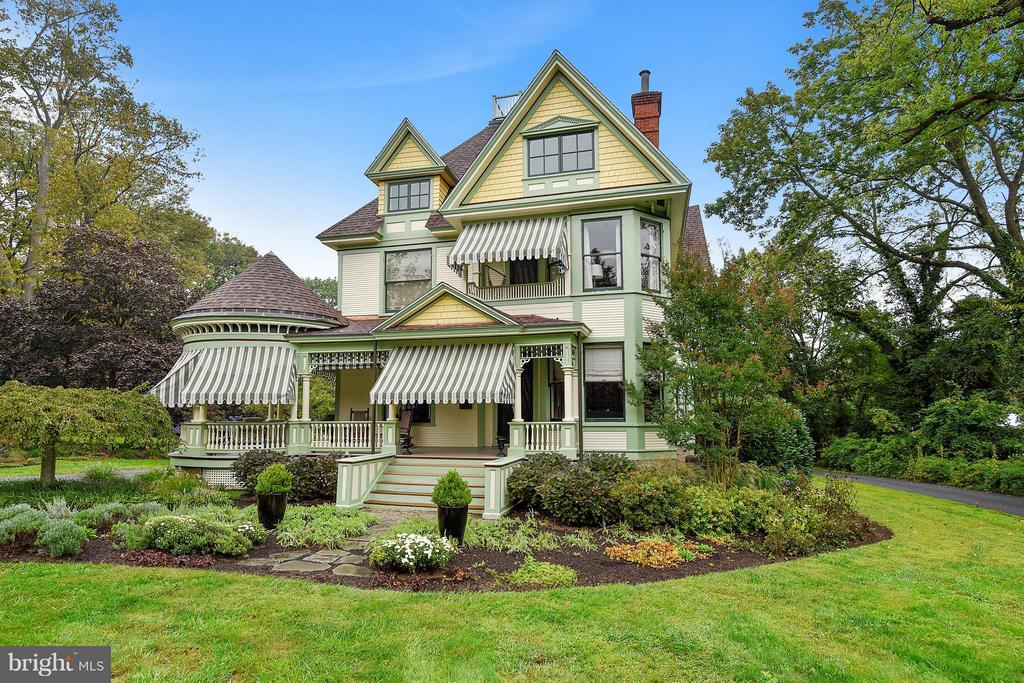 """Completely renovated Victorian for today's living-Spacious """"Cooks"""" kitchen w/concrete & marble ctops, SS appl's, a large island & custom cabs-3 rm MBRM suite w/sep dressing area, blt-ins & walk-in closet-Custom mas bath w/jetted tub & walk-in shower-Awesome 3rd flr kids suite w/3 brms + a large Family/Game rm-Well landscaped 1.35 acre level play yd-Actual Sq fttg is 4,742."""