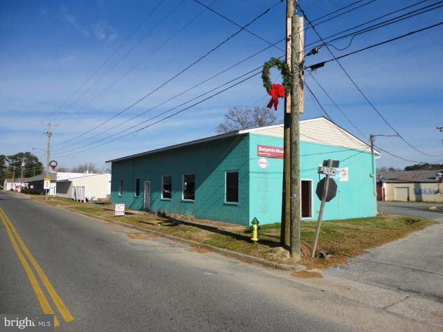 114 SCHOOL STREET, KILMARNOCK, VA 22482
