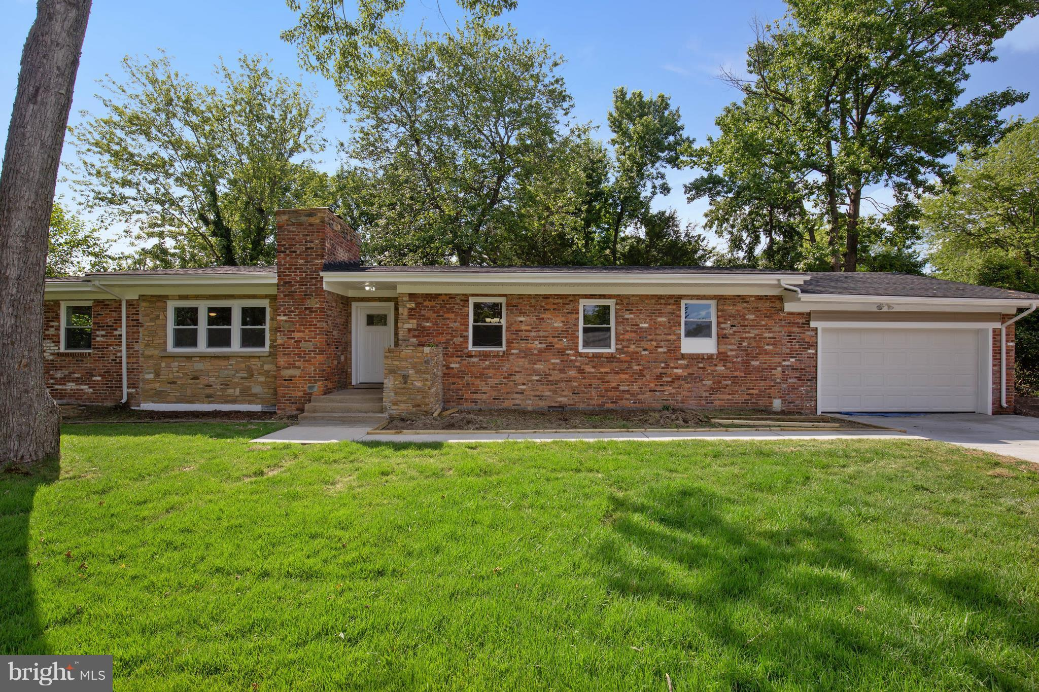 Fully Renovated. 2 Car Garage, New Appliances, New Carpet, Remodeled Kitchen and Bathroom. Much Desired Area of Alexandria.