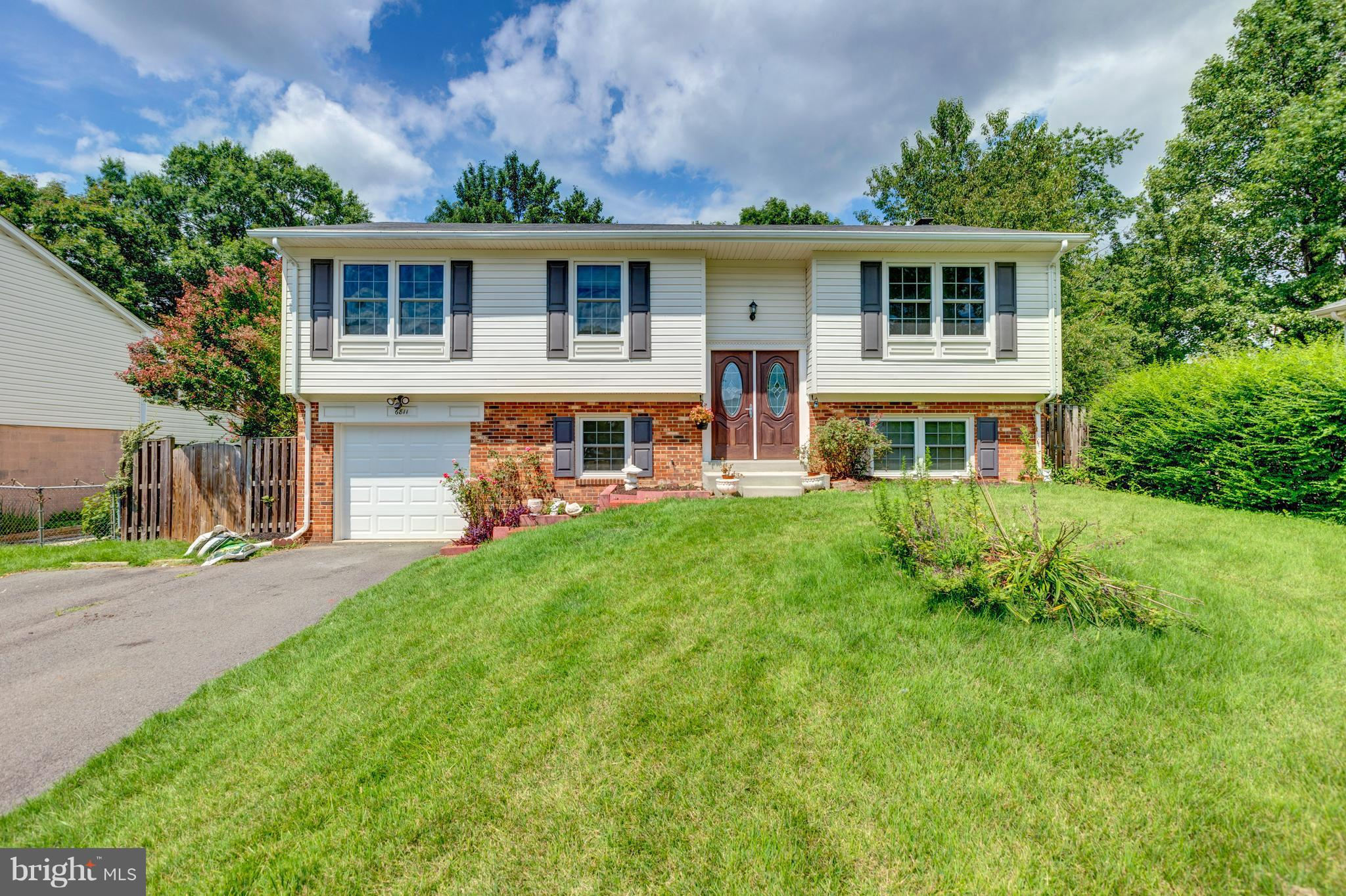 Great home, priced to sell!  Brand new kitchen, cabinets, appliances, granite!  4 Bedrooms and 2.5 baths, 1 car garage!  In a quiet cul-de-sac!  Walkout basement. Private fully-fenced back yard w/shed. Incredible location, easy access to Springfield Town Center, Metro, Restaurants, I-95, Fort Belvoir & more!