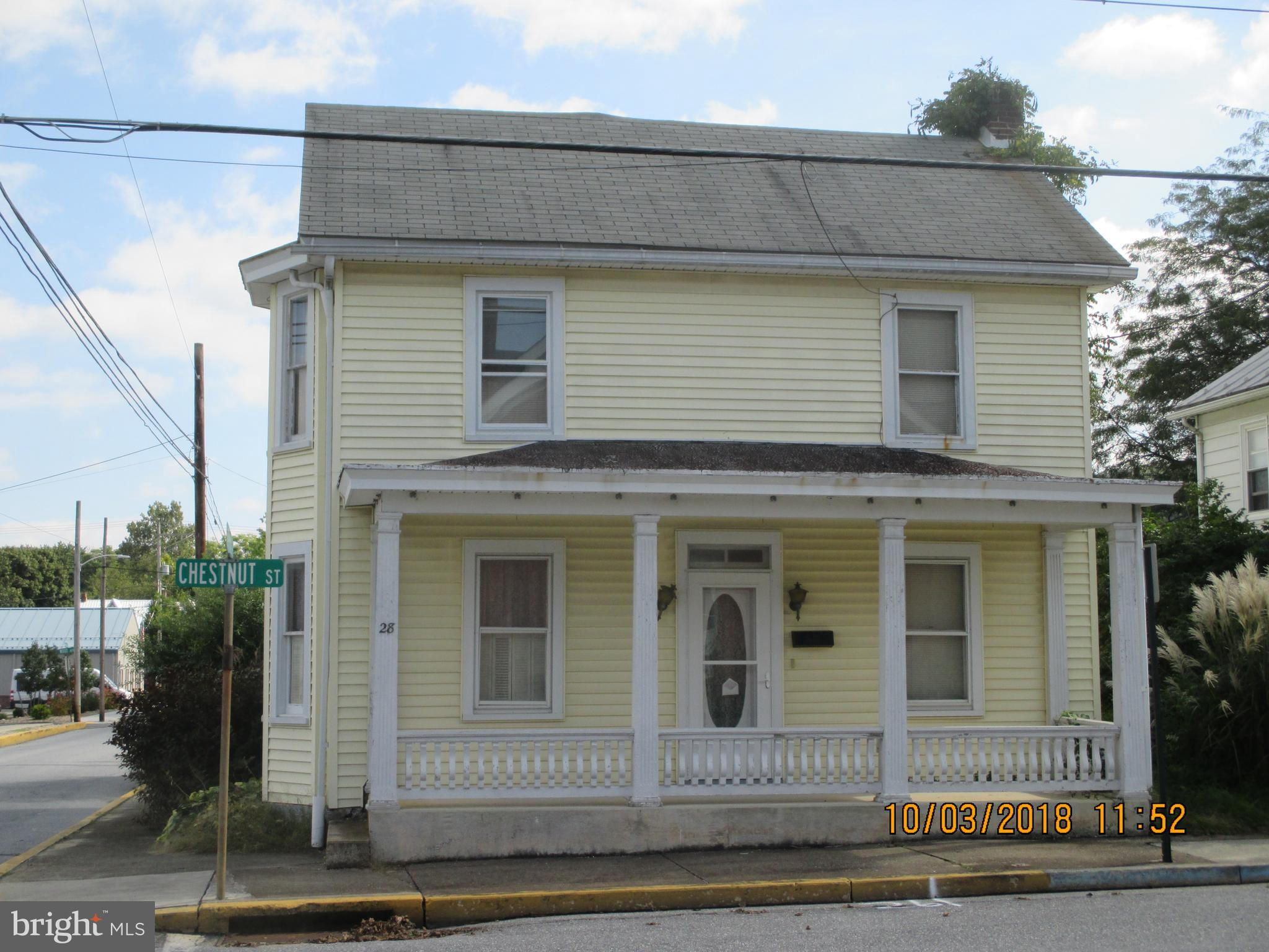 28 CHESTNUT STREET, MOUNT HOLLY SPRINGS, PA 17065
