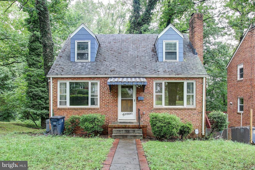 Brick Beauty nestled amongst a great shady yard! This 32 bedroom 1.5 bath home features living room with fireplace, quaint kitchen and nice deck that's perfect for entertaining! Conveniently located to schools, entertainment and shopping!