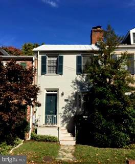 Charming townhouse in quiet, south Old Town. Quaint rear patio, large living room, plenty of parking in front of house.