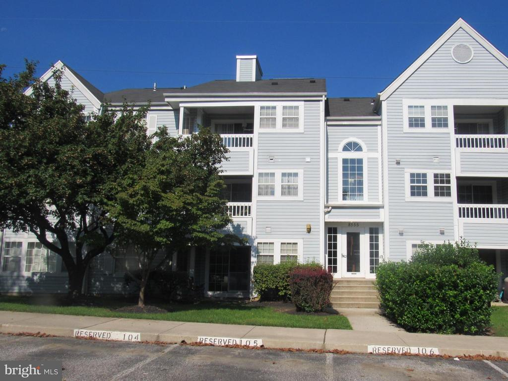 2 Bedroom, 2 Bathroom Condo Freshly painted, New Carpet. Located in Very Desired Neighborhood . Community Pool and Playground. Seller exempt, buyer pays all transfer taxes. Certified EMD held by LB. Property eligible under Freddie Mac 1st Look Initiative through 11/21/2018.