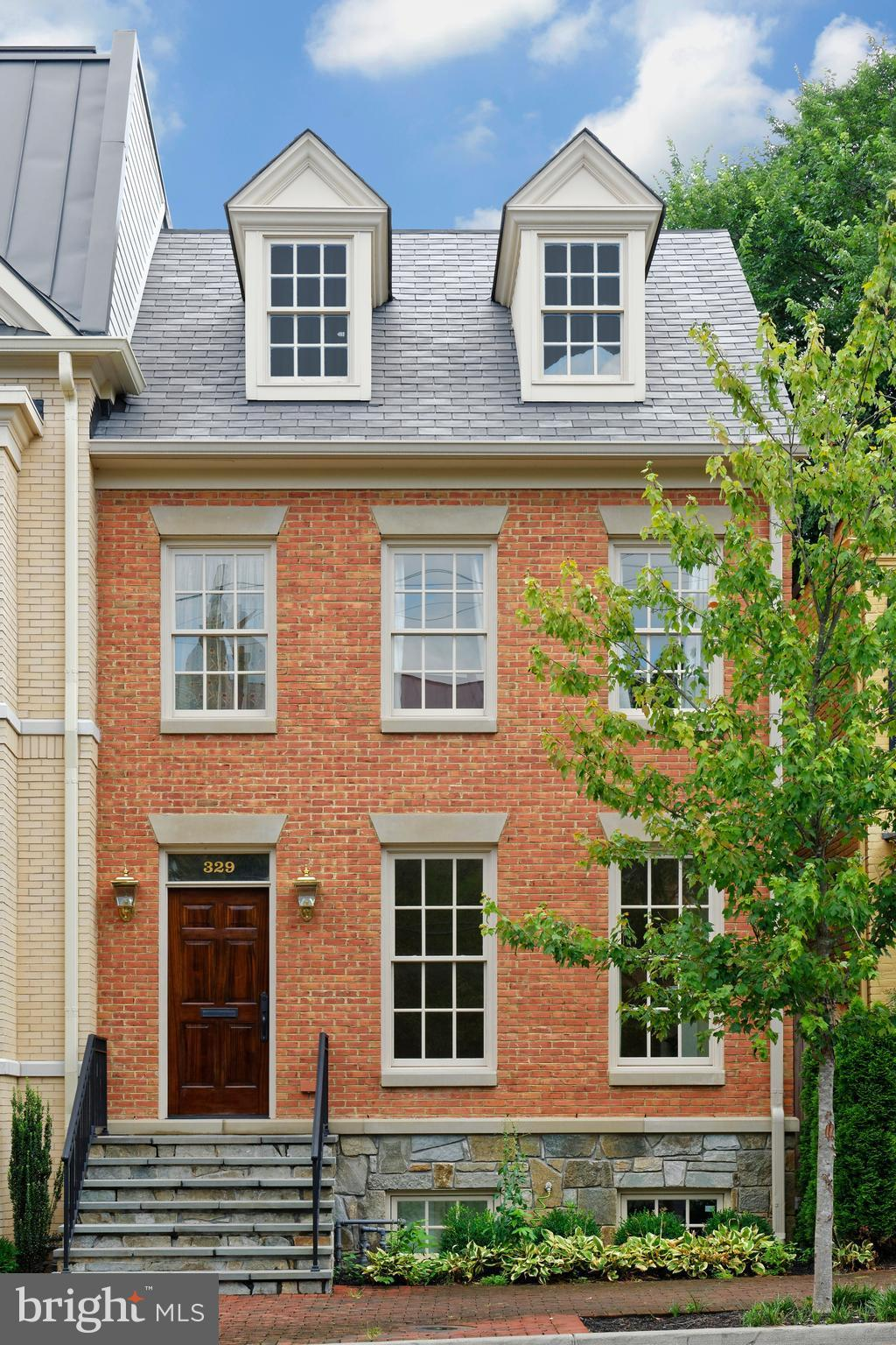 This stately brick townhouse built in 2014 by highly respected local builders features 5 bedrooms, 5.5 baths, state-of-the-art kitchen which opens to a family room & patio/garden. Lovely master suite offers multiple closets and spacious ensuite bath. Wonderful high ceilings, deep moldings, freshly painted throughout, 2 gas fireplaces, recreation room and separate au pair suite. Off-street parking.