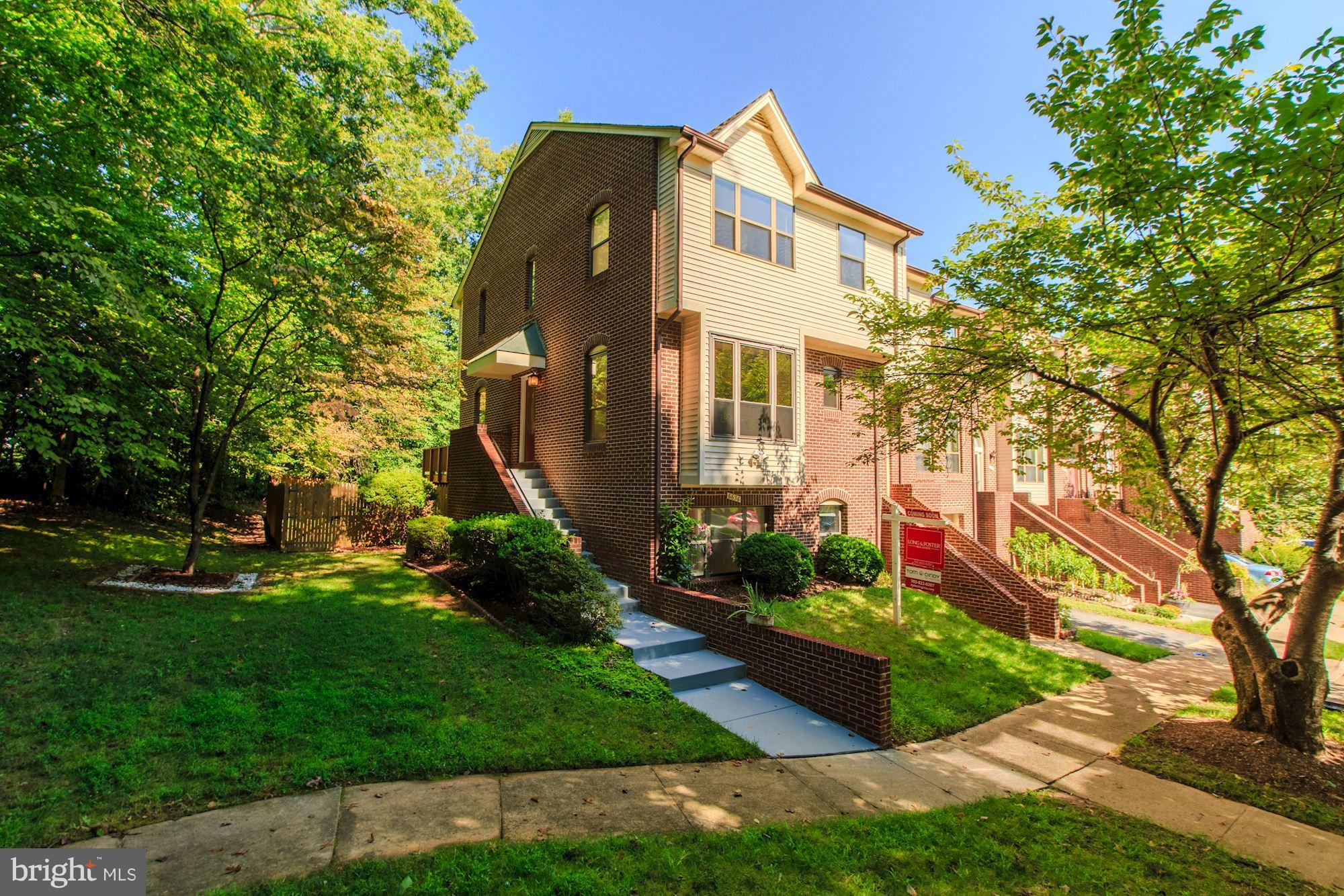 Great 2-sides brick end-unit w/tons of upgrades backs to trees! New roof, paint inside & out & int doors.Luxury KIT w/ granite,stainless,dbl sink,tile flr,recessed & pendant lighting,hardwoods & new carpeting.Decks newly stained, baths redone,new light fixtures! 3 spacious bdrms (one of which can easily be converted into 2 bdrms.)Walking dist to shopping,SlugLine,library& 10 mins from Metro & VRE
