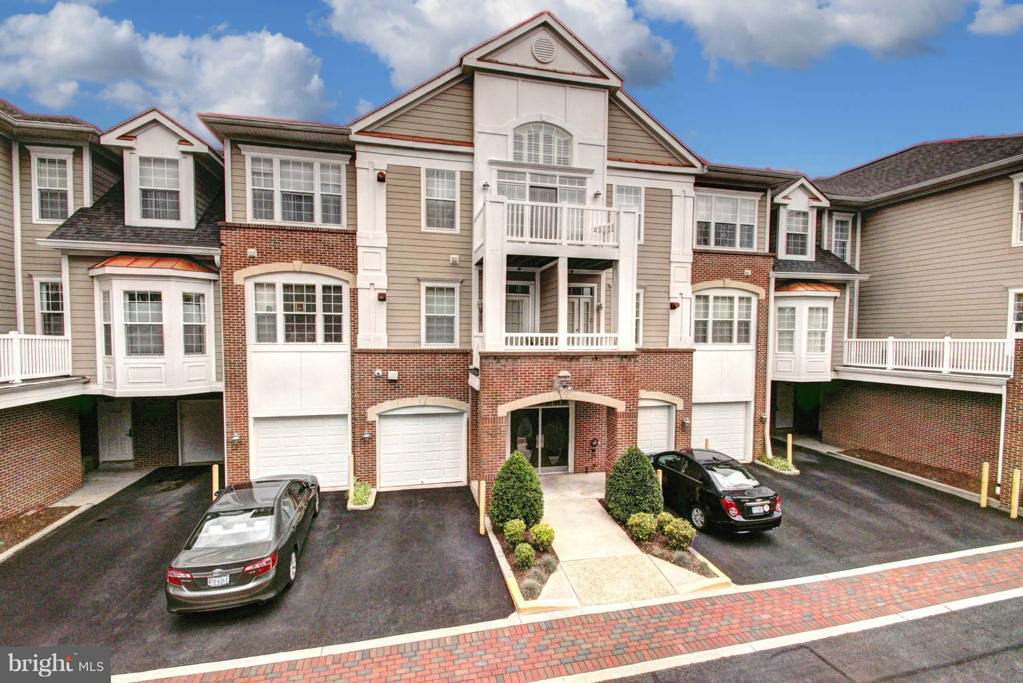 *STUNNING,IMMACULATE 2BR+DEN CONDO W/ BALCONY & BACKS TO TREES*Over 55 community in West Springfield w/ fantastic open floor plan & elevator access.Relaxing Master Suite w/ lux bath & walk-in closet, bright upgraded kitchen w/ huge breakfast rm, new carpet tailered moldings throughout & laundry room in unit & 1 car garage and parking