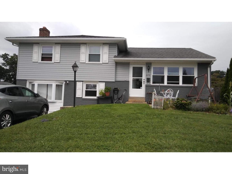 220 Canterbury Drive Broomall, PA 19008