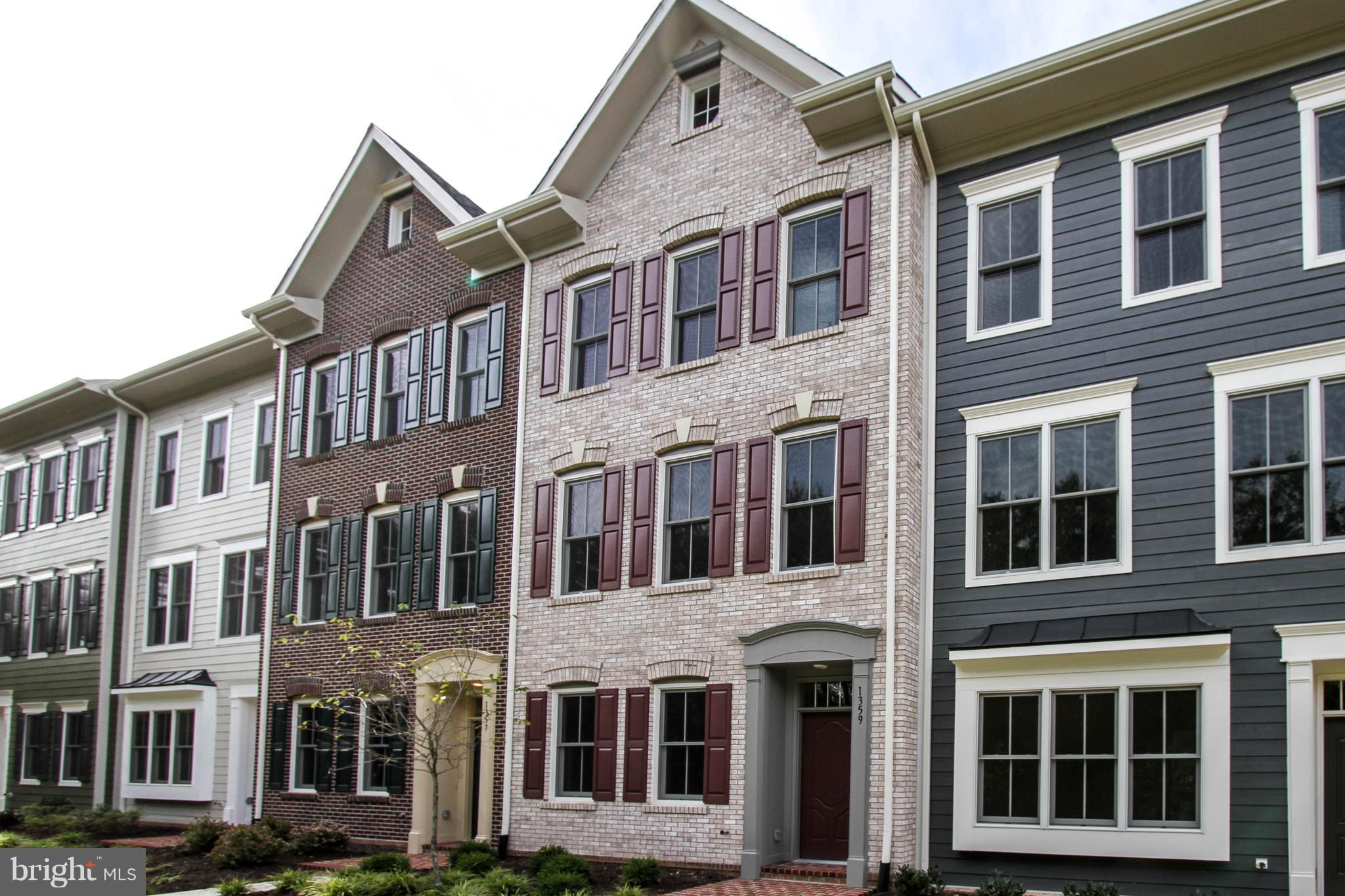 NEW - Price Reduced $25K!! Quick Del - 4 Story Luxury Condominium Townhome in Old Town. 3 Bedrooms, 3 Full Baths + 2 Powder Rooms. Gourmet Kitchen w/Gas Cooktop + Double Oven, Esspresso Cabinets, Waterfall Quartz Center Island. Tile Foyer, Hardwoods on Main, BR + Loft Levels. 9 ft ceilings, Large 200+ sq ft Terrace w/Gas/Water bibs! 2 CAR GARAGE!! Hard to Find -  Pet Friendly FENCED Front Yards!!