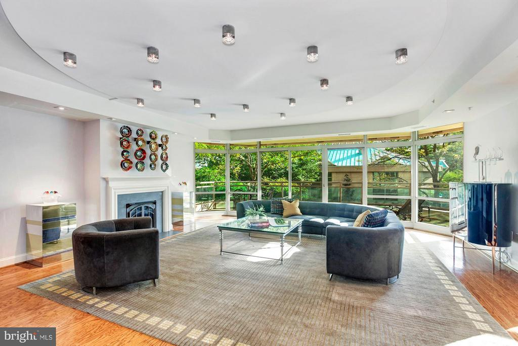 5630 WISCONSIN AVENUE #202, CHEVY CHASE, MD 20815