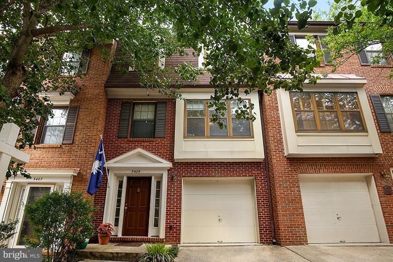 Spacious three level brick garage townhome in ideal Alexandria location, tucked away in a small community of charming townhouses.  Integral garage. New carpet. Eat-in kitchen with bay window, very bright interior, living room with fireplace, finished basement with family room. Patio in rear yard. Commuter bus and METRO close by, quick access to 495. Express bus to Pentagon.