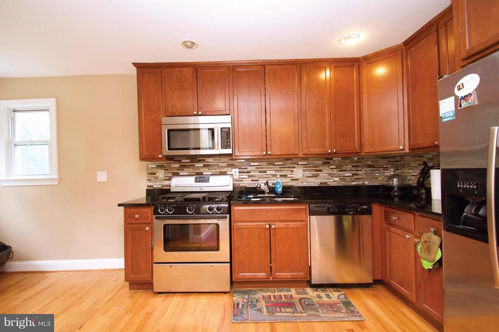 2207 RAMBLEWOOD DRIVE, DISTRICT HEIGHTS, MD 20747