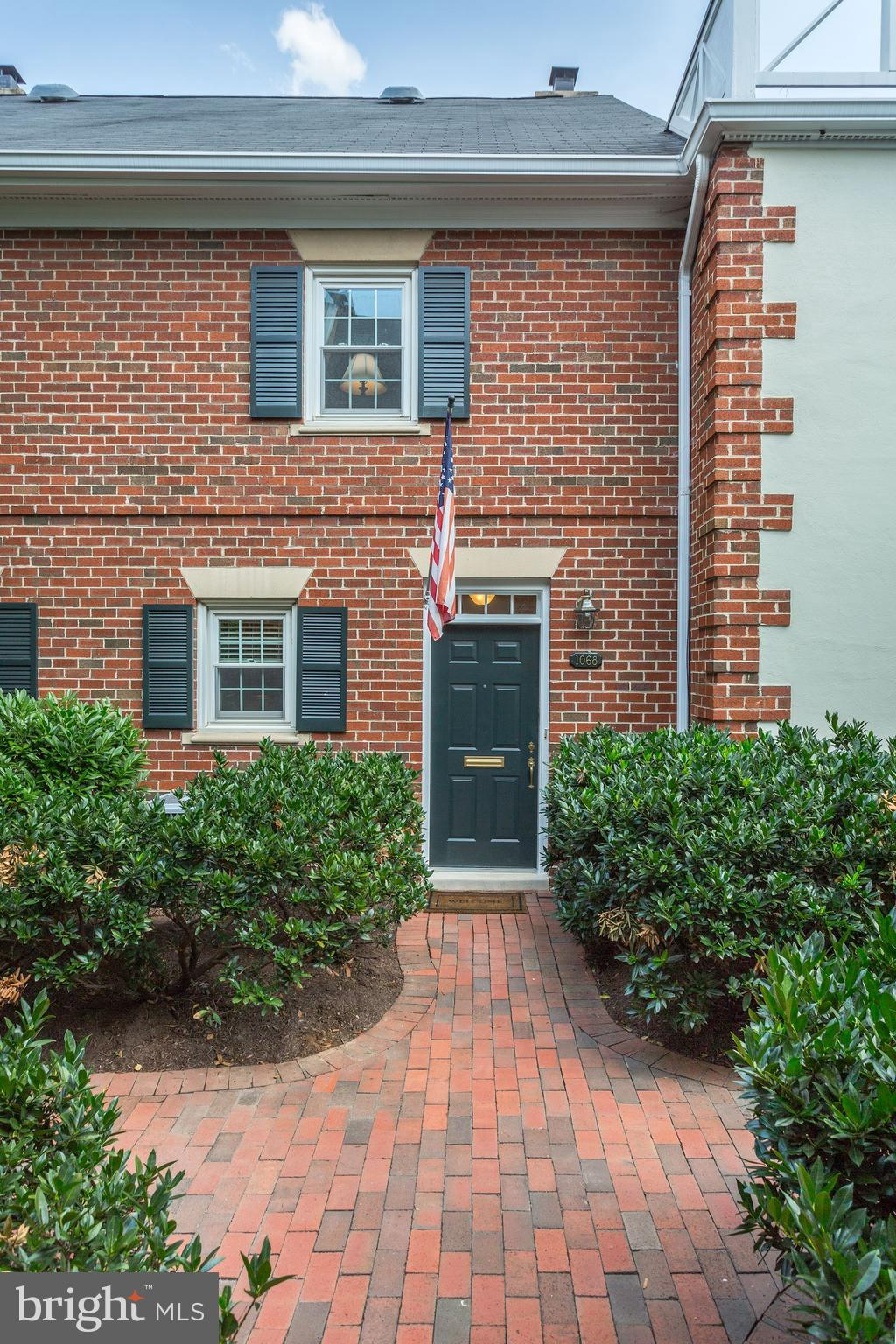 """OPEN HOUSE  SUNDAY 2-4 PM Lovely brick courtyard North End Old Town community - with underground parking space and plenty of street parking near entrance.  Easy access to GW Parkway and .7 mile to Metro, large brick patio off living room, fireplace, updated windows, kitchen, and baths.  The is elegant comfortable living, Patio door glass conveys """"AS IS"""", CHECKOUT 3D and virtual tour."""