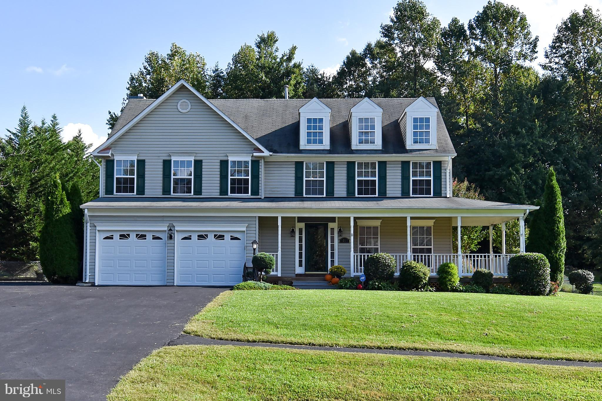 6 BEDROOMS, 3.5 BATHS AND OVER 3,300 SQUARE FEET! UPGRADES INCLUDE UPDATED KITCHEN W/HEATED TILE & STAINLESS STEEL APPLIANCES,  GAS FIREPLACE, NEWER ROOF, NEWER HVAC & APPLIANCES, WRAP AROUND PORCH & EXTENDED DRIVEWAY, 2 SHEDS, PRIVATE BACKYARD, COVERED PATIO AND MUCH MORE..NO HOA! COLGAN HS DISTRICT!
