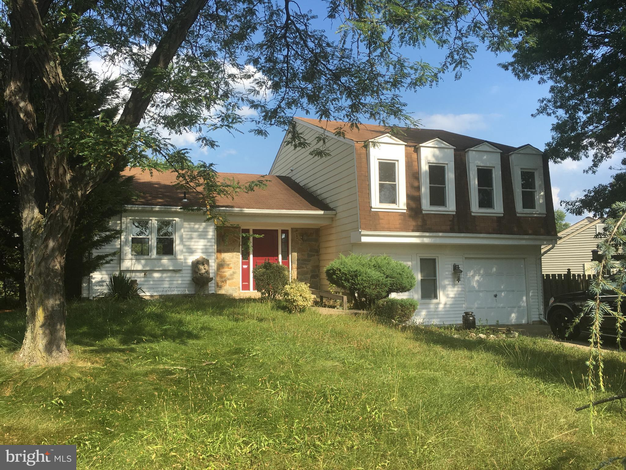 Show instructions: please call first showing contact. Seller prefers National Title Settlement Group. As-is condition. A must see!