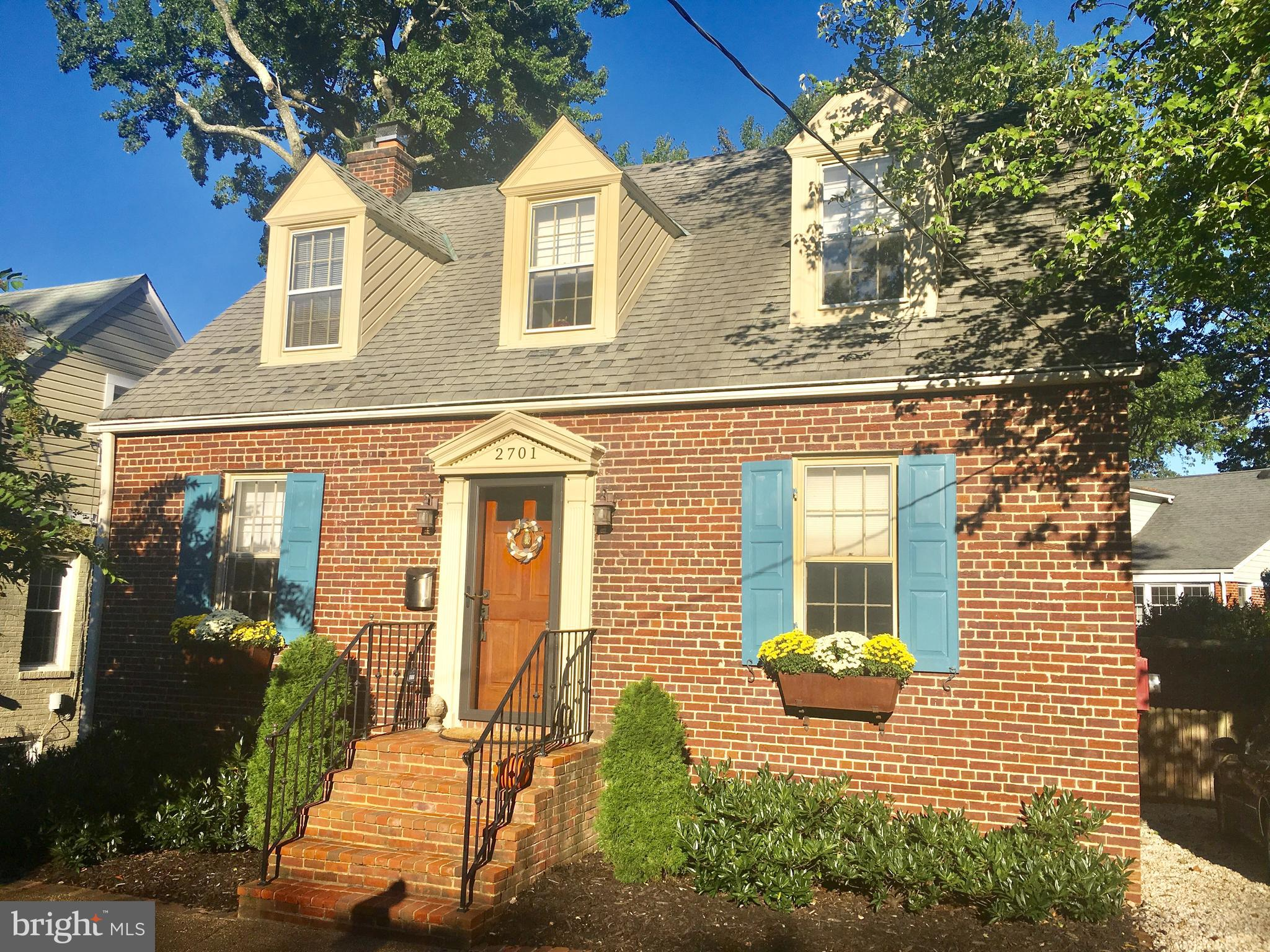 Spacious, classic brick Cape Cod a short walk to the restaurants & shops of Del Ray. Kitchen w/ eat-in space walks out to deck & comfortable back yard. Hardwoods on 2 levels. Separate DR & LR. 2 fireplaces. Large master features walk-in closet. Great closets & ample storage. Lower level has laundry room, storage/utility room & large family room. Main level has 2 bedrooms. 2 car off-street parking.