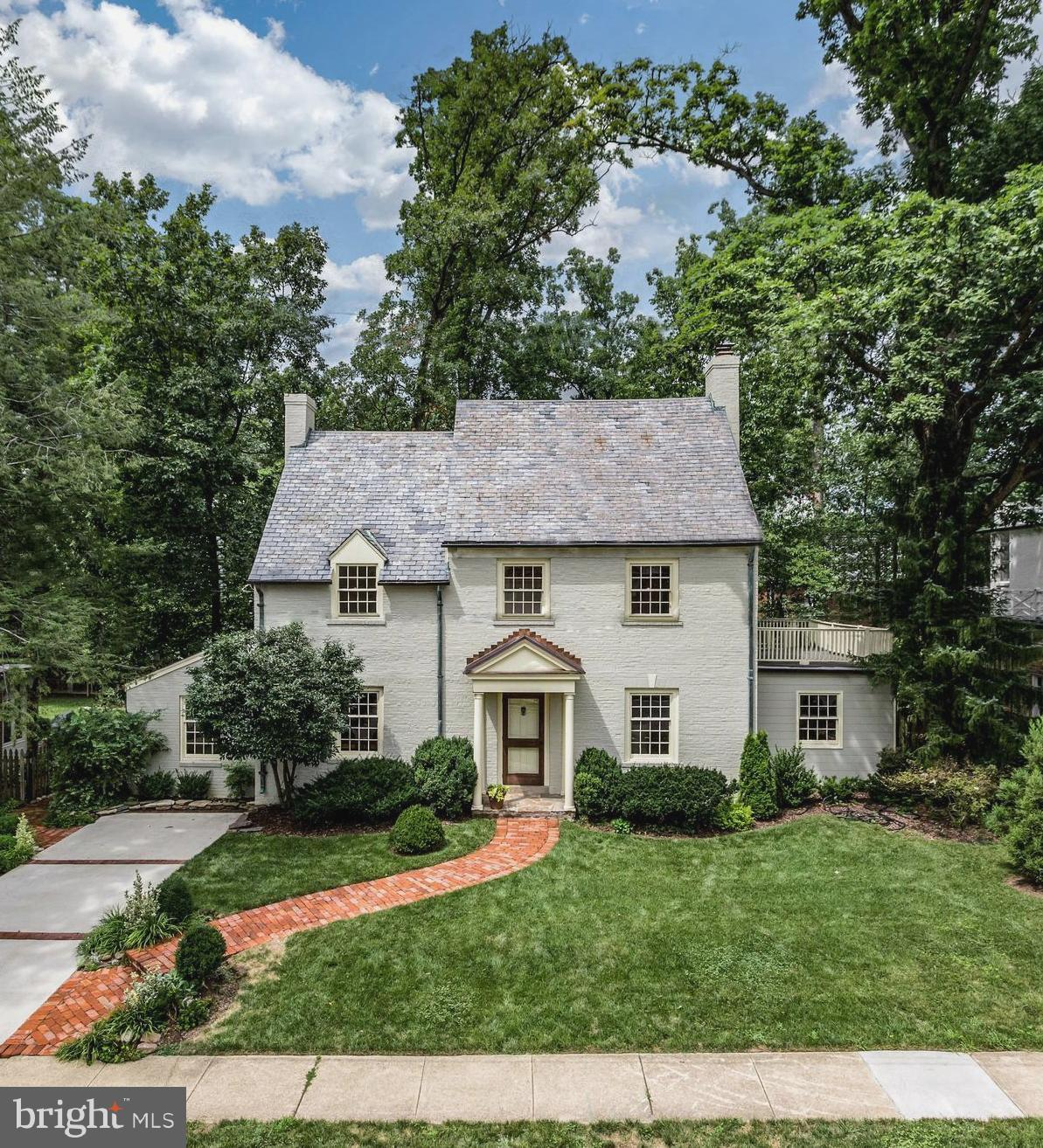 Exquisite center-hall Colonial on sought-after street in Belle Haven. State-of-the-art remodeled kitchen & DR w/ Wolf & Sub-Zero s & handcrafted cabinetry, family rm & study w/ heated flrs, LR w/ fireplace. MBR w/ w-i closet, BA & door to deck, 2nd upper lvl BR w/ beamed ceiling, deluxe BA w/ claw-foot tub. Finished walk-out LL w/ rec rm, BA & storage. New patio flat backyard. Approx 3400 Sq Ft