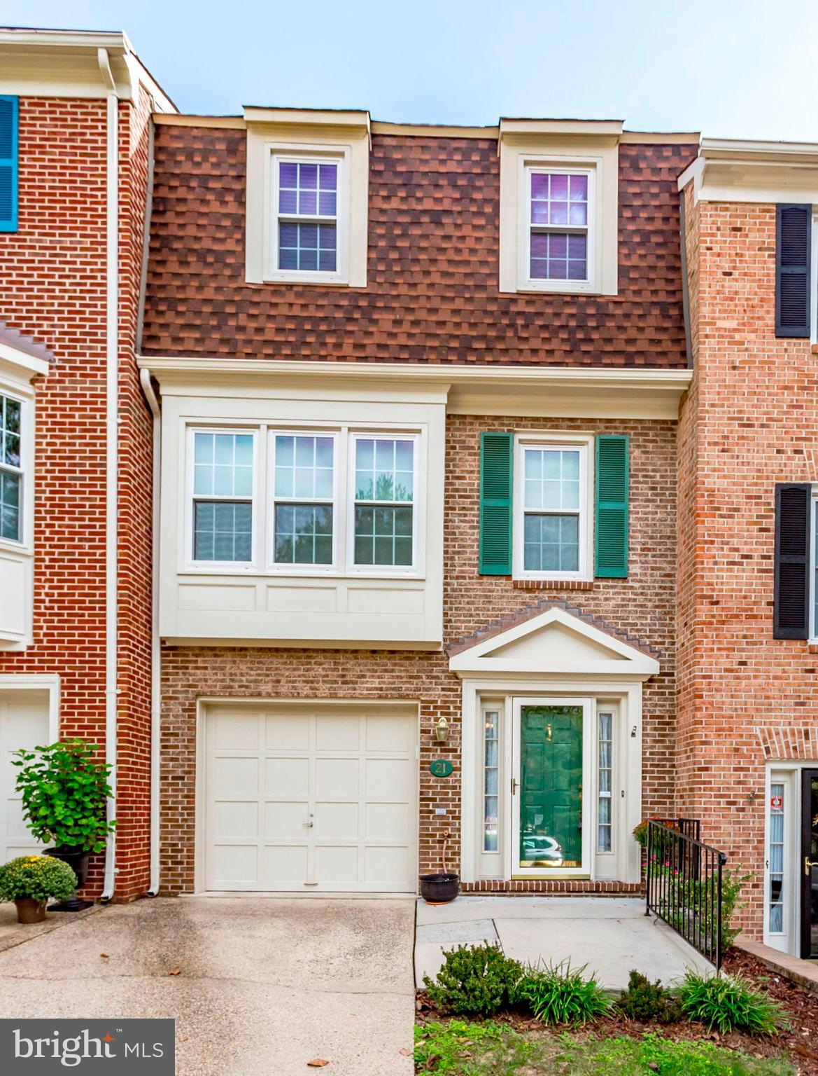 3 level Garage Townhome in the heart of Alexandria! 1 minute walk to Dash bus to King St Metro (< than 2 miles) ,Van Dorn Metro & 8Z bus direct to Pentagon! Gleaming hardwood flrs.New paint & carpet! Updated kitchen with SS appliances. Seller's updates include recessed lighting, gas fireplace, roof replaced in 2010, maintenance-free ext. trim, hot water heater, attic insulation & bathroom updates