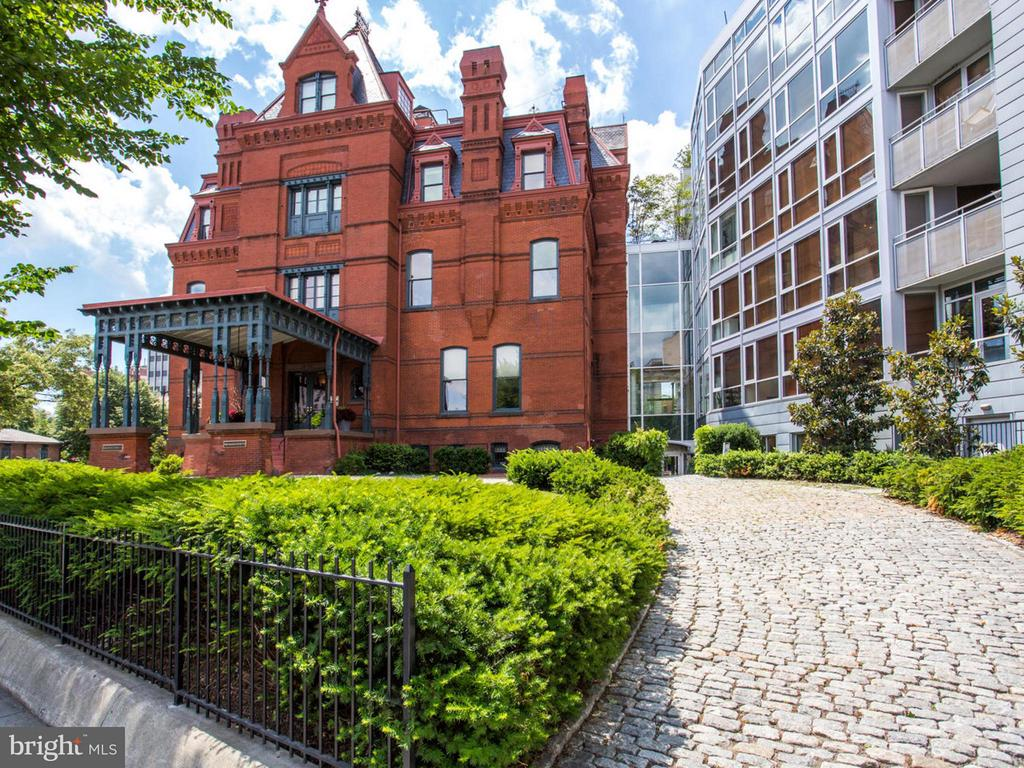 One of the finest luxury 2-story condos in all of DC in boutique bldg in A+ Dupont location! 4 BR + Den, 4.5 BA, 5,400 SF & 3 garage spaces! Private elevator, open FP w/ floor-to-ceiling windows & 4 balconies. Prof grade SS chef's KIT, custom art lighting, hand-crafted artisan stair rail, indulgent built-in storage & lux MBR w/ dressing rm. Next to Metro, fine dining shops & nightlife.