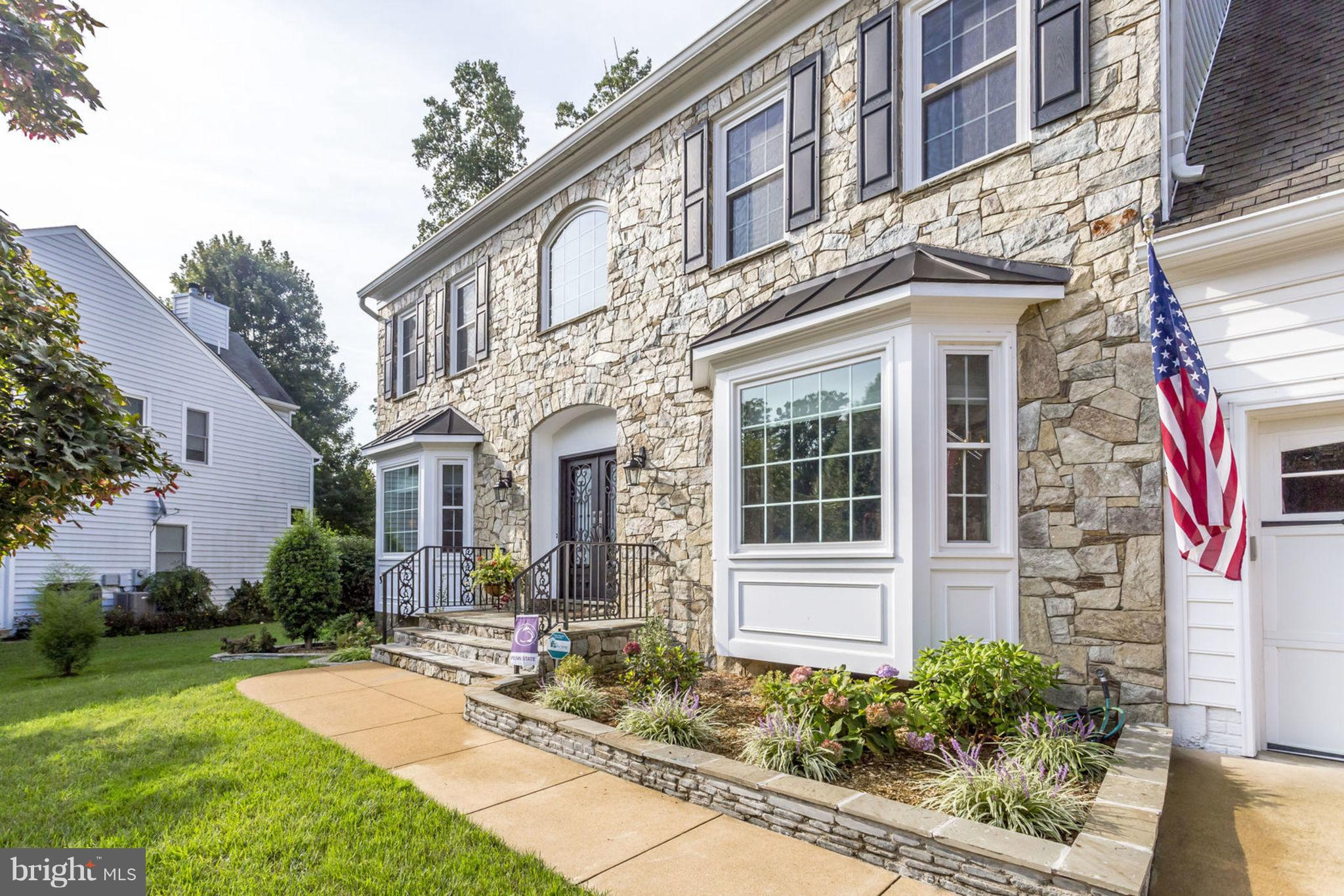 NEW PRICE! WALK IN WITH $20K IN INSTANT EQUITY! Appraisal on 9/24 at $890K from local appraiser. This 5K+ sq.ft, 6-bed 3/2 bath custom MORRIS built home is on a coveted cul-de-sac  in Bush Hill Woods. Lux. upgrades: $30K+ custom HE windows/doors, kitch, upgrad. electrical, hardscape, 2-zone HVAC ('14), 9'Ceils, covered porch, yard w/ BI Grill, GR w/ built ins, ML laundry, 2car gar, mins to METRO!