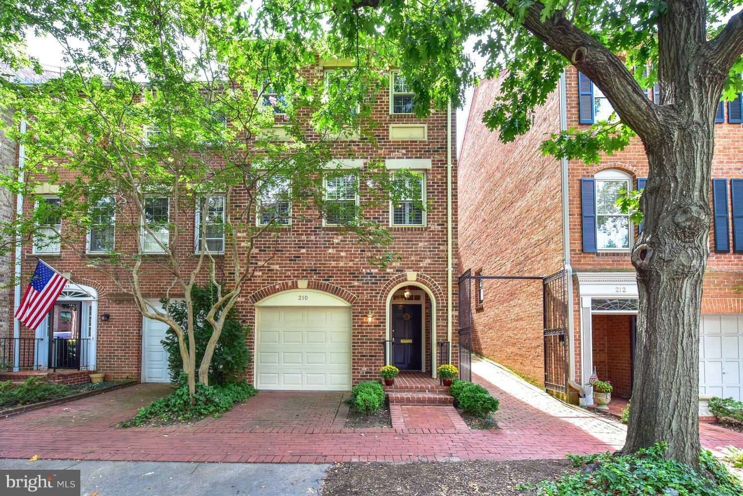 CHARMING END BRICK TH IN THE HEART OF OLD TOWN ONLY 2 BLOCKS FROM THE POTOMAC RIVER! LR OFFERS 11'CEILING, WOOD BURNING FP, BUILT-IN BOOKSHELVES AND FRENCH DOORS LEADING OUT TO THE PRIVATE PATIO. SEP DINING ROOM,CHEF'S KITCHEN W TABLE SPACE.2BR EACH W FULL BATH,GARAGE,AND DRIVEWAY., LL DEN /HOME OFFICE,,HDWD FLOORS  THROUGHOUT, SWIMMING POOL AND TENNIS COURT!
