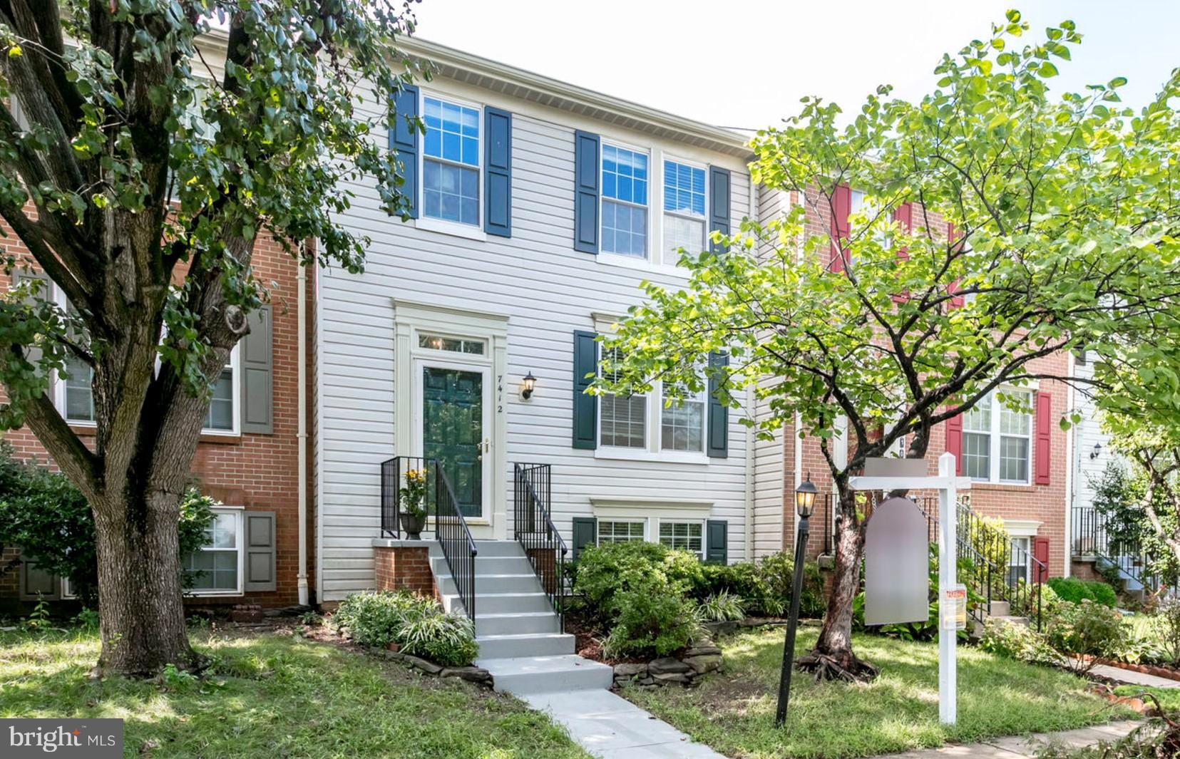 Commuter's dream w/ EZ access to I-495/395 and 5 minutes to metro station.  Modern TH in desirable Kingstowne is nicely equipped with new dual zone AC (2017), new deck (2017) and new roof (2014).  Up to ~$6,000 in closing cost help may be available on conventional loans and up to $4600 in help may be available with VA loans through PenFed FCU - contact me for details!
