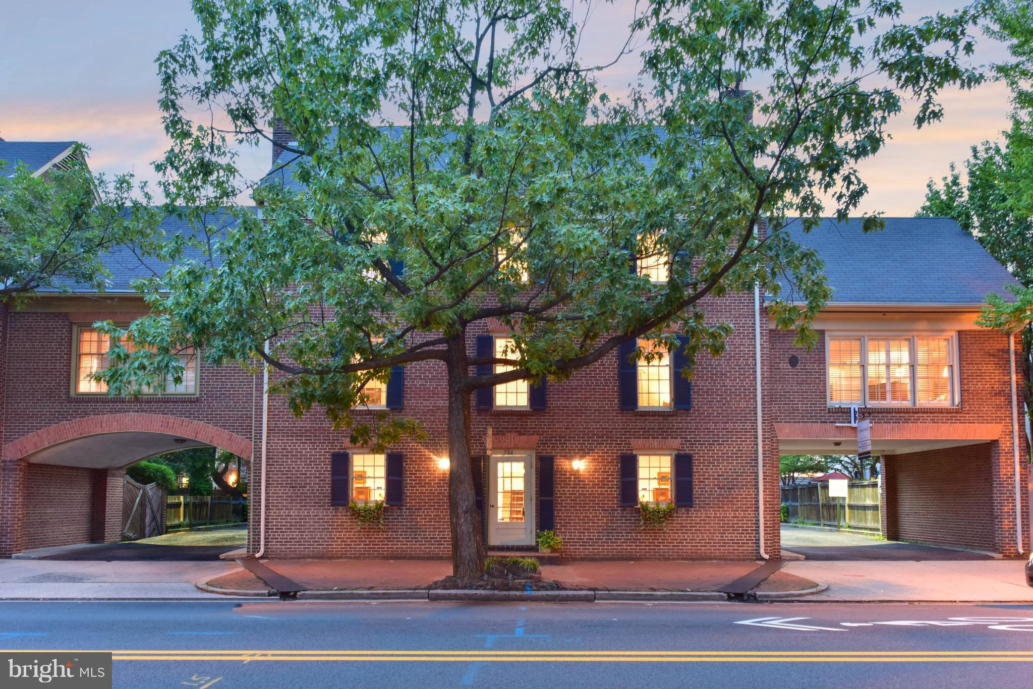 BEST DEAL IN OLD TOWN!!! Location, lifestyle & convenience- 3 lvl TH w/beautiful details throughout & historic vibes while offering modern comforts. Neutral paint, crown molding, HWF, 4 WBFPs, lots of natural light, wet bar in FR, BR lvl lndry. Ample storage. 3 MBR's ALL w/BAs+main MBR w/WIC. Private patio for relaxing. 1 assigned parking spot+other options too. 1 blk to King & close to 2 metros.