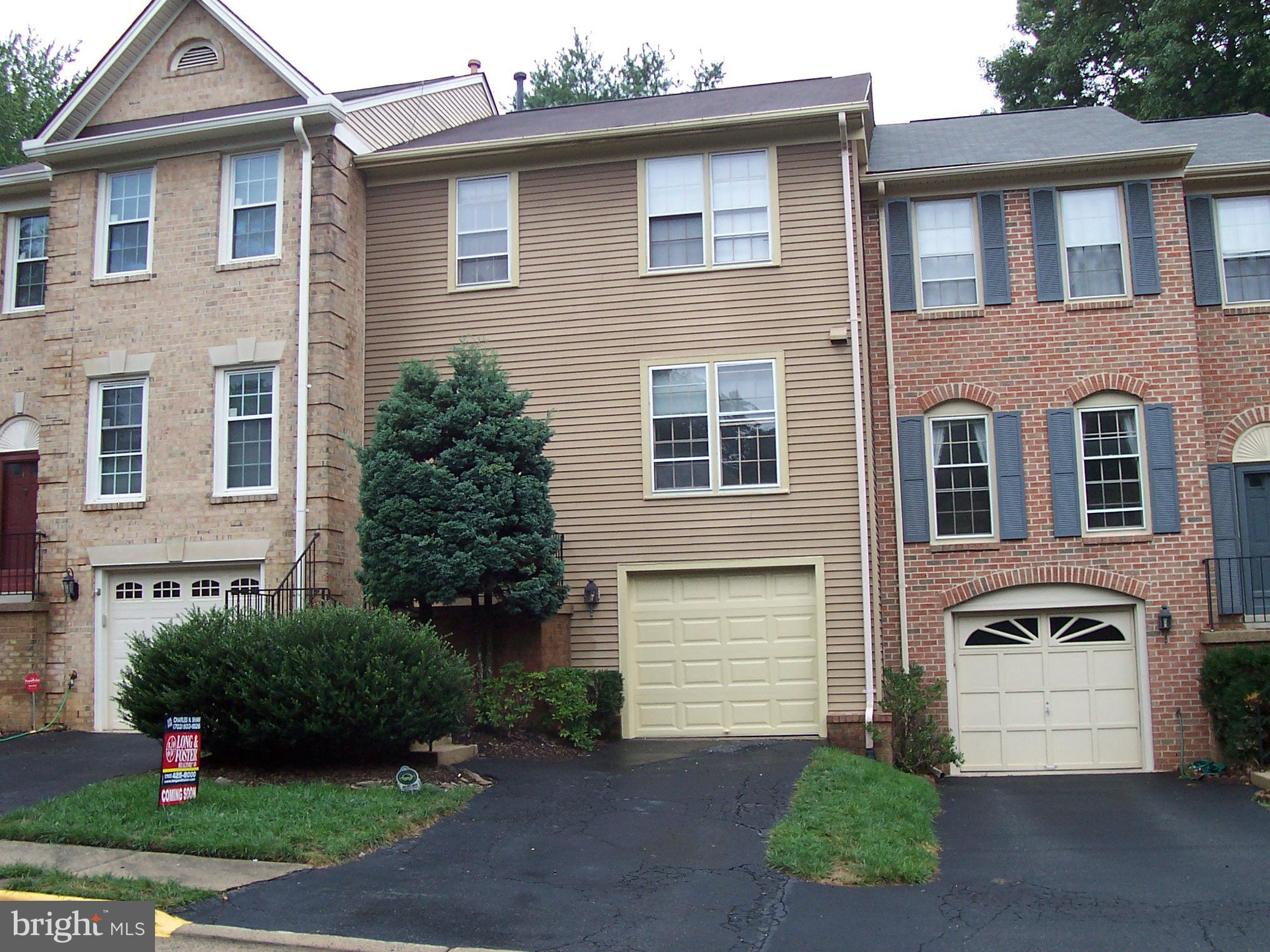 OPEN SUNDAY 1-4 Beautiful Garage townhouse in Daventry. 3 Bedrooms, 2 Full & 2 Half Baths.Large rec room on lower level  with gas fireplace and walk out to patio. Hardwood floors main level. New carpet upper level. New Garage door W/ remotes.Close to Metro, 95, 395, Community pool. West Springfield H.S. District