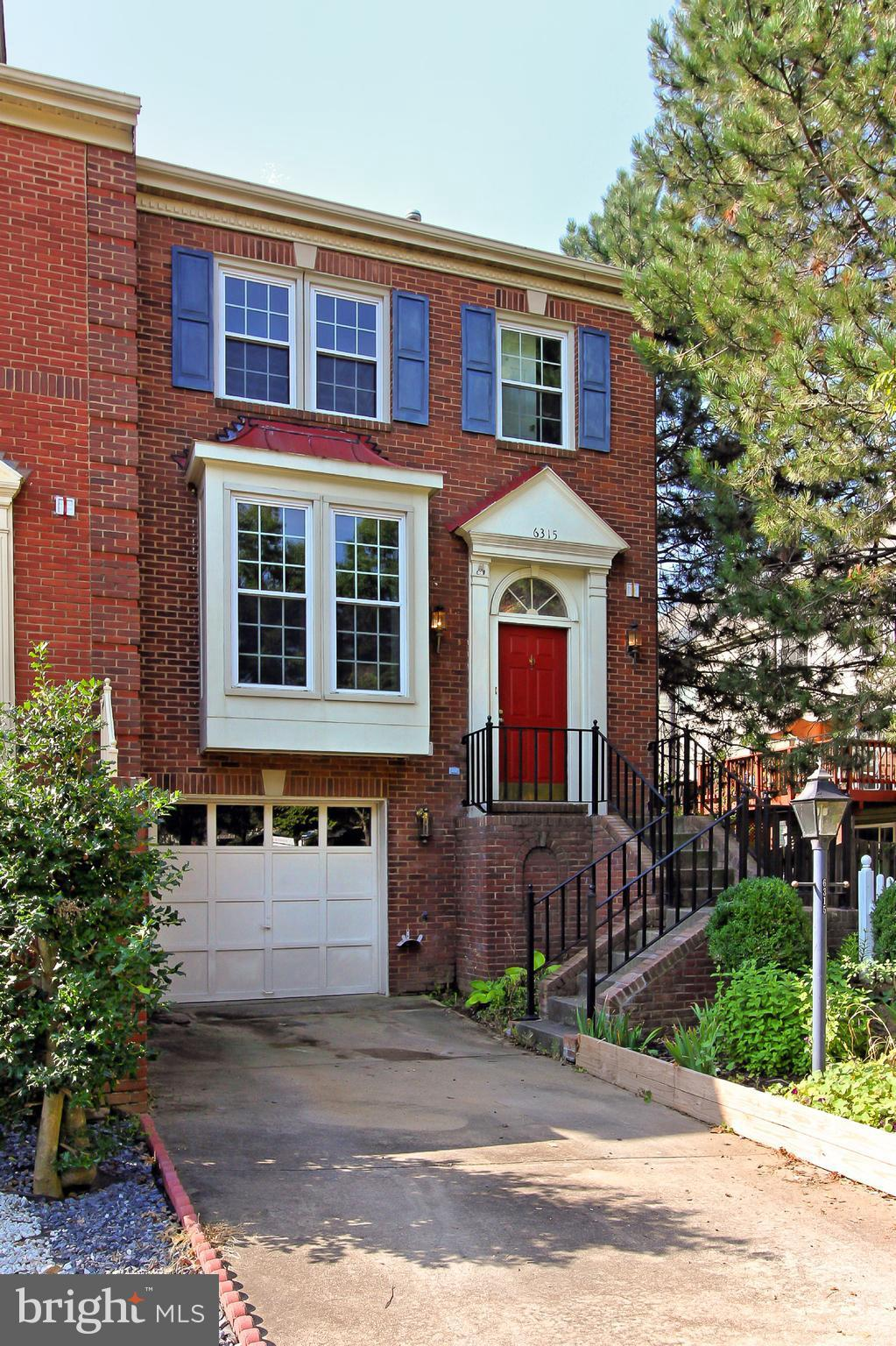 End unit townhome with garage and driveway parking. Located in East Alexandria minutes from Historic Old Town Alexandria, Pentagon, and downtown Washington D.C.  2 BR, 2.5 BA. Walkout lower level, Formal dining room, and living room. Two fireplaces, deck, patio, skylight, bay window and more!