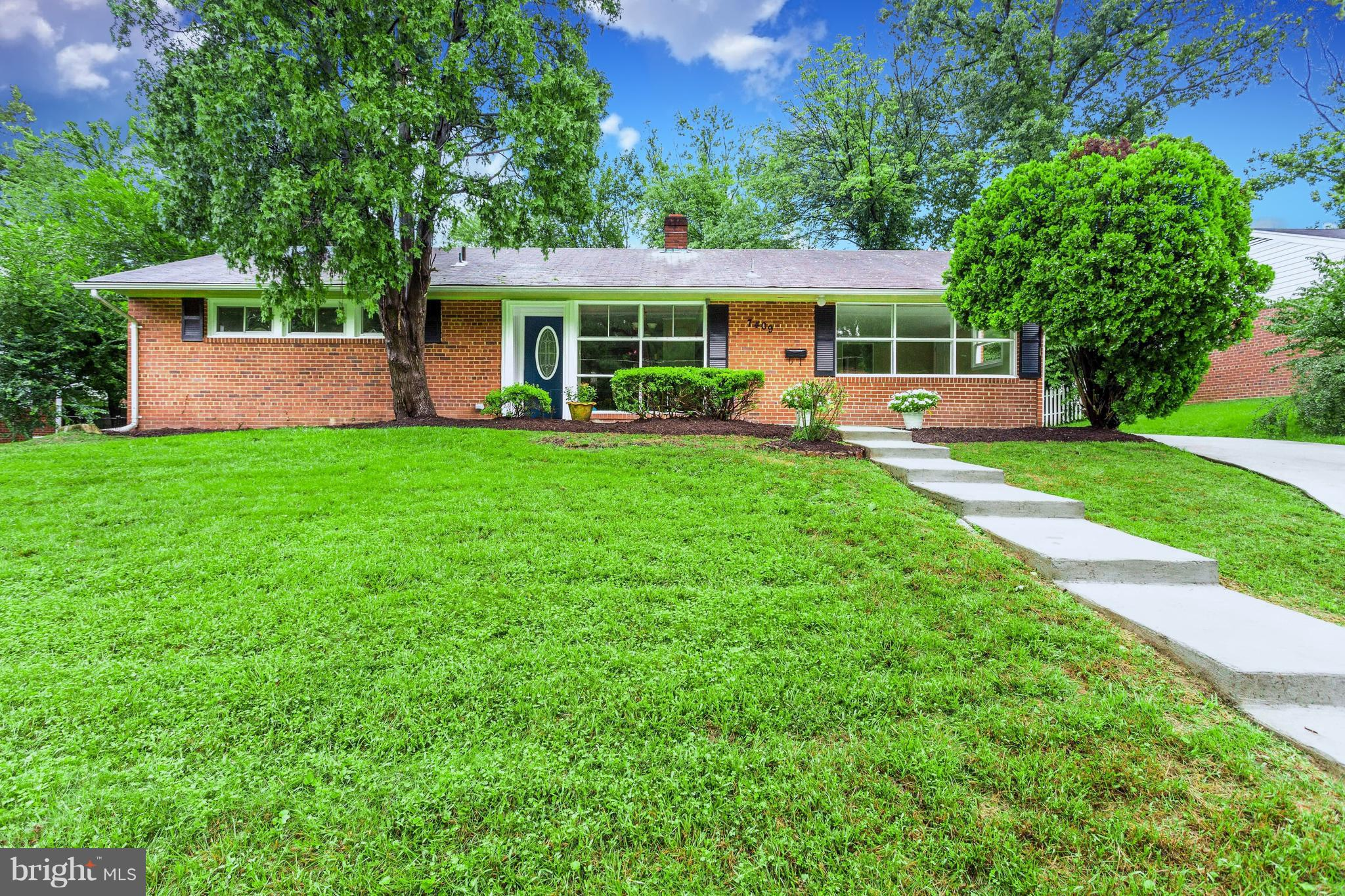 New Price!!  Main Level Living! GREAT LOCATION! Inside the beltway. 1 minute to I-495.. 4 Bedrooms 2 Full Baths, 1 enlarged bedroom/Office,  Beautiful  kitchen Opens to Family Room. New Stainless Steel & Granite,  New Carpet, Freshly Painted. Quality Windows.  Fenced Back Yard. A Commuters Dream. Open Sunday1-4pm