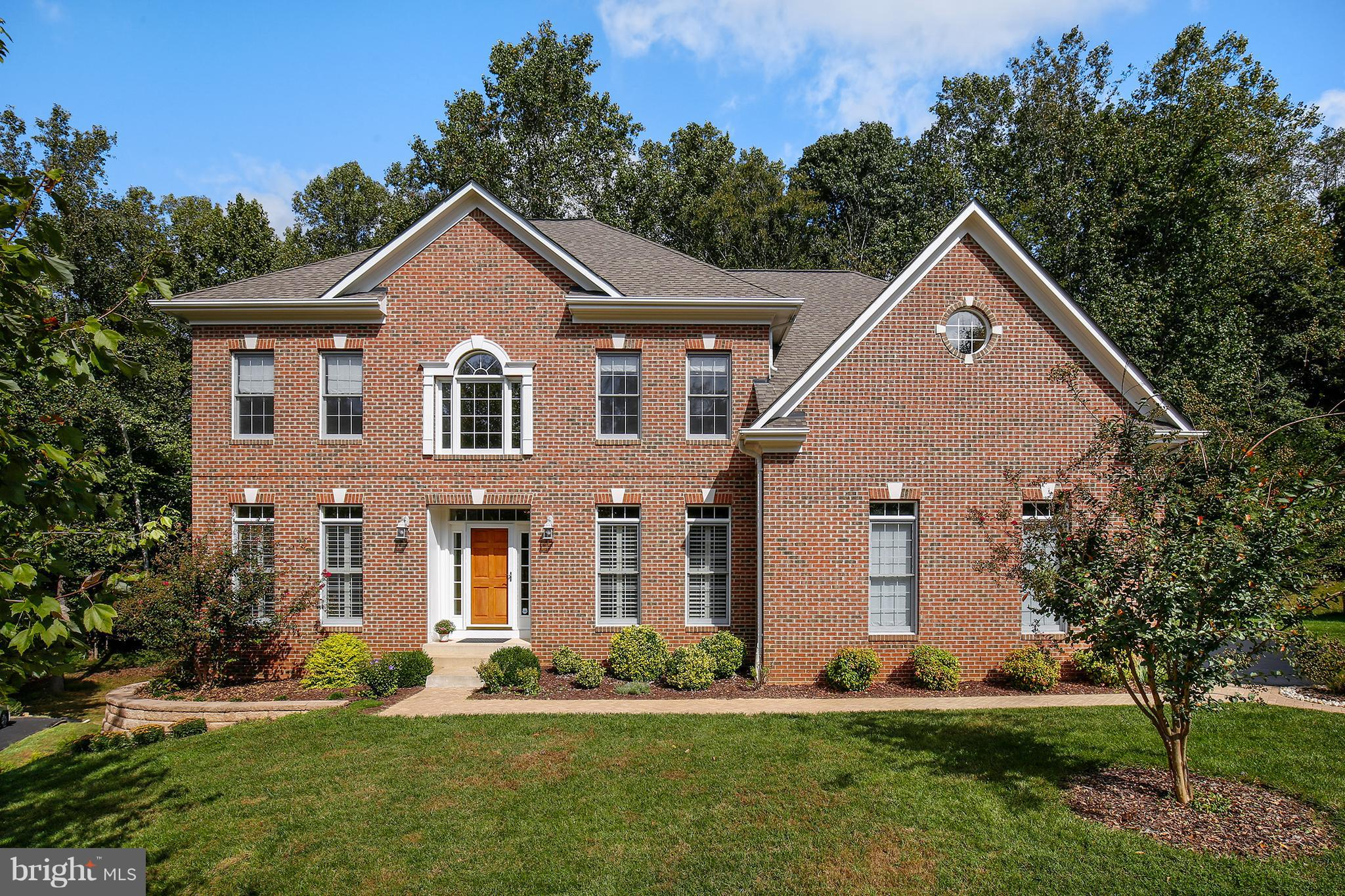 7426 SILENT WILLOW COURT